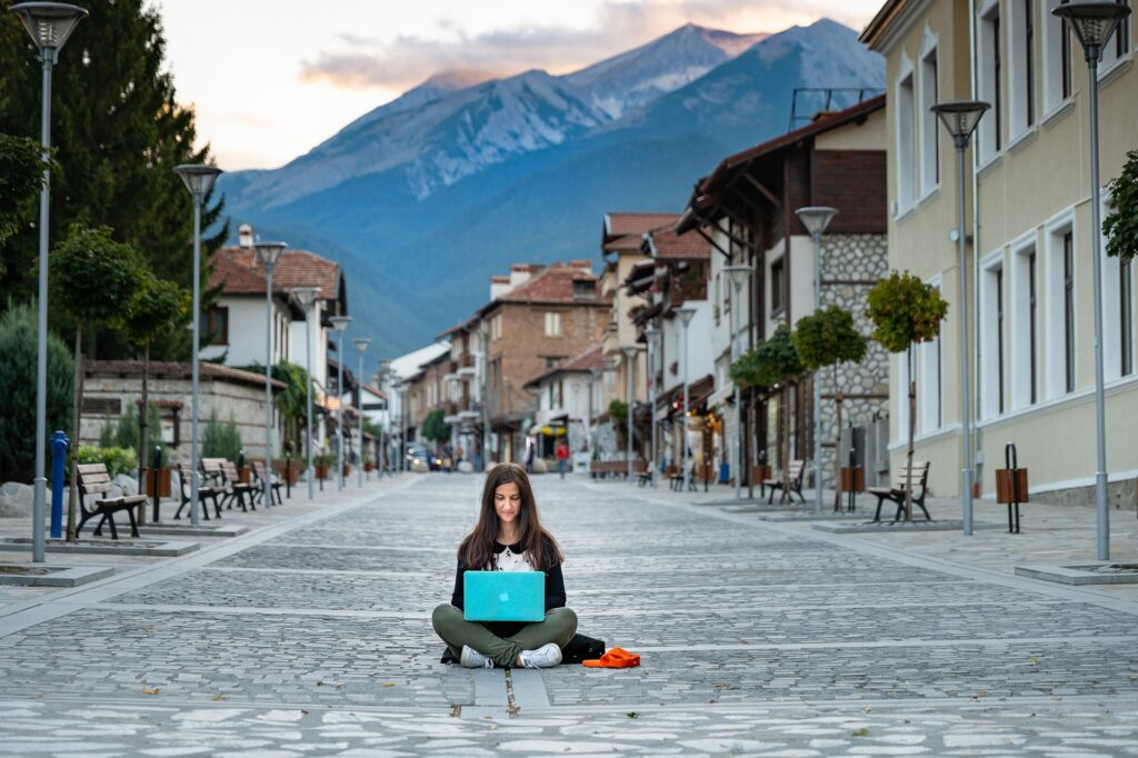 4 steps to becoming a digital nomad